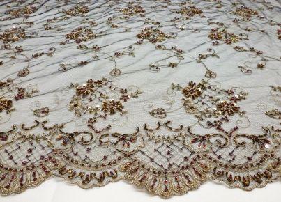 Stofje Couture kant met kraaltjes