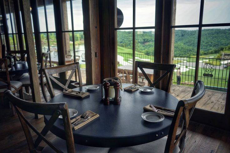 Missouri Adventures for First Dates, Long-Time Mates   Including getaways in Missouri wine country!