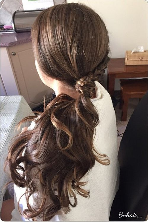 easy ways to style curly hair 30 eye catching ways to style curly and wavy ponytails 1765