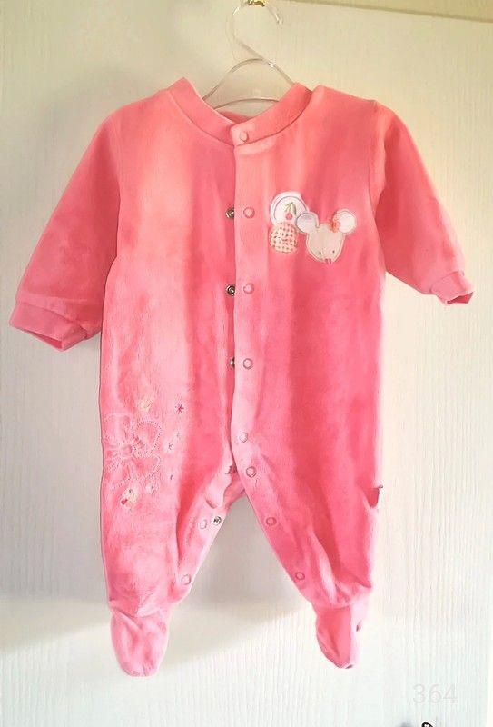 cd83d206e247c Joli Pyjama fille 3 mois - Couleur pêche Ouverture pressionnée sur le  devant et entre jambes