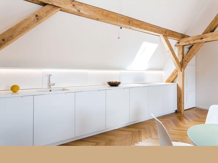Marvelous K che Dachausbau denkmalgesch tztes Reihenstadthaus in M nchen durch Architekturb ro architekten