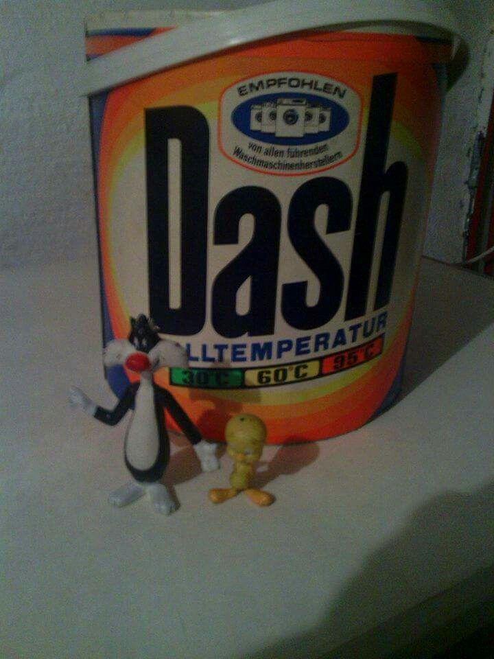 Entweder war das Waschmittel so gut oder die Verpackungstrommel waren so praktisch. Meine ganzen LEGOS, Spielsachen ... waren jedenfalls drin :-)