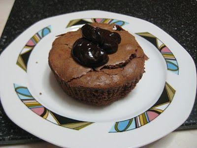 MARI PLATEAU: Υγρό Κέικ Σοκολάτας με ελαιόλαδο (σουφλέ)