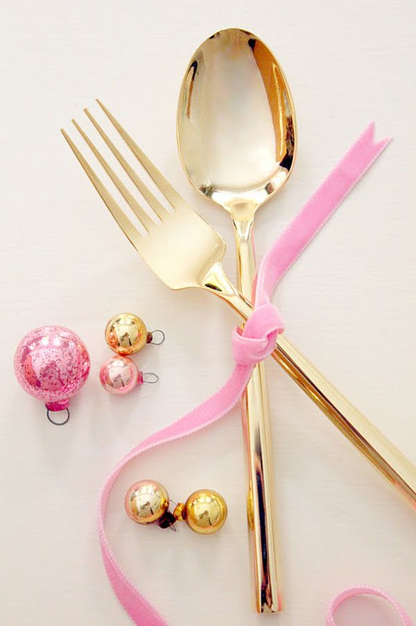 Gold flatware tied with pink ribbon, so pretty!
