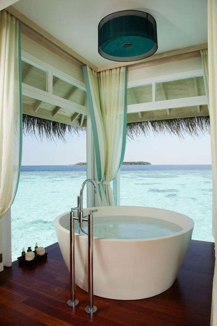 I have family in Polynesia. I should totally do a DIY version of this, only my tub would be made out of brick? Wood? Palm leaves? Dammit.