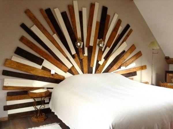 Demi-soleil pour la tête de lit en palette  http://www.homelisty.com/meuble-en-palette/