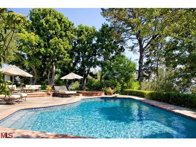 Adam Levine House: Maroon 5 Rock Star Buys In Beverly Hills, Calif. (PHOTOS)