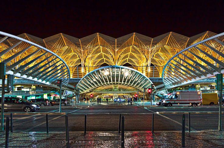 Night Wings - Frente da Estação Ferroviária de Lisboa - Oriente.