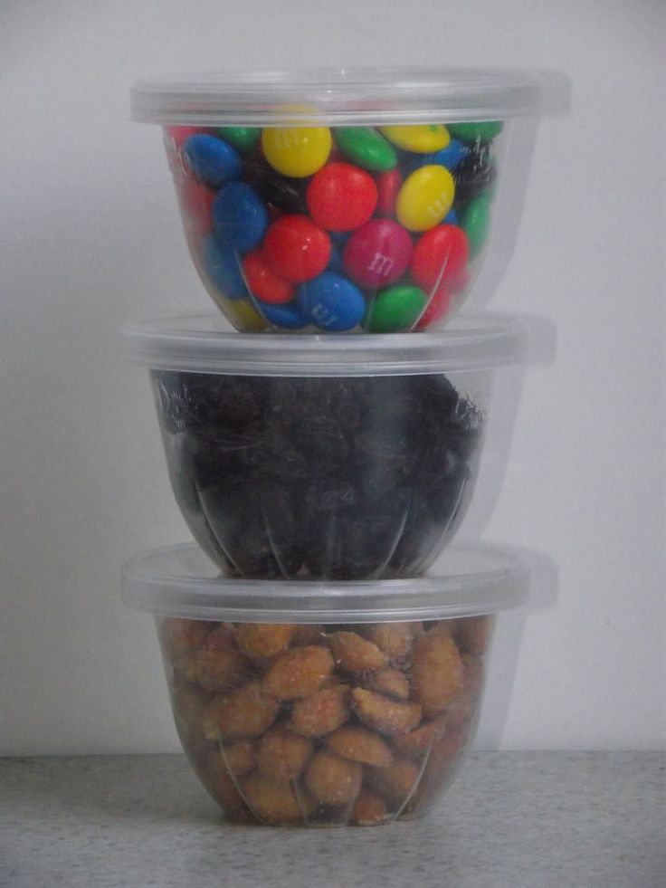 FREE SNACK CUPS fruit cup containers & pringles lids | New Life, New Purpose