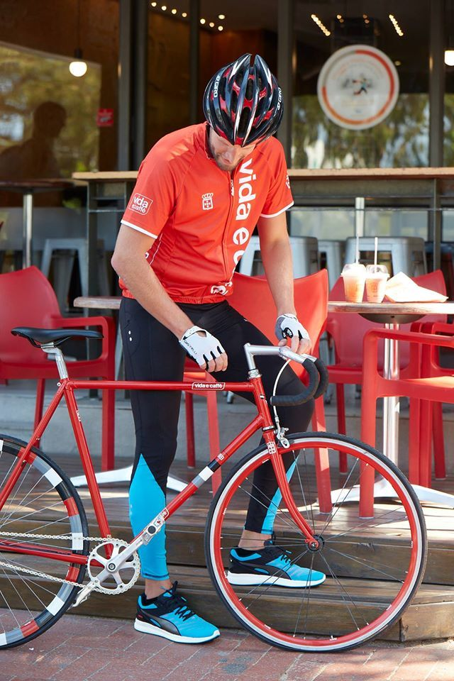 Did you go cycling this morning? Stop at any Vida afterwards for your Saturday morning coffee fix!