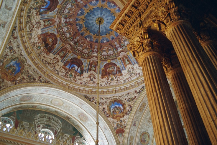 Explore the glitz and glamor that is Dolmabahce Palace.