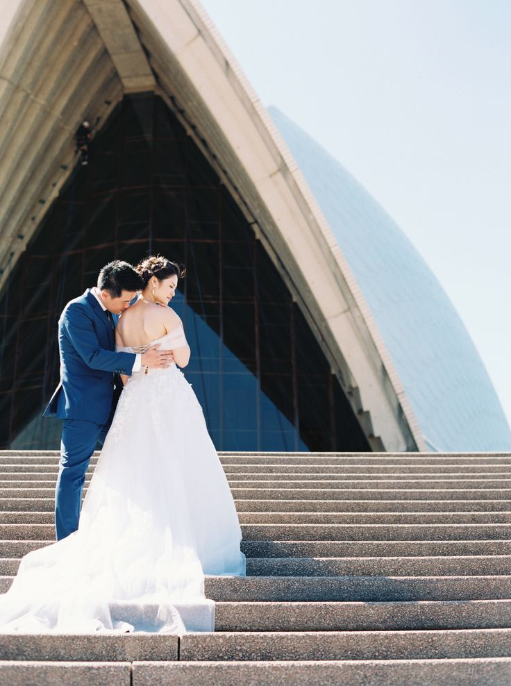 Beautiful couple Phoebe and Henry from Vietnam flew to Sydney to have their pre wedding and engagement photos taken at Sydney iconic locations such as the Harbour Bridge and Opera House  https://www.ameliasoegijono.com/blog/
