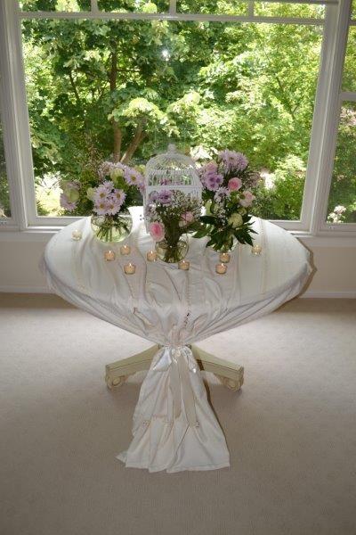 Layers of blooms set amongst beautiful surrounds. A beautiful and stylish way to enhance any room!