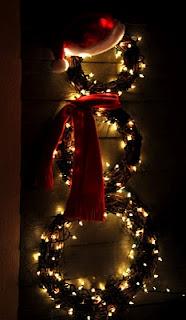 lighted snowmanChristmas Wreaths, Christmas Time, Wreaths Snowman, Grapevine Wreath, Snowman Wreaths, Cute Ideas, Front Doors, Christmas Decor, Holiday Decor