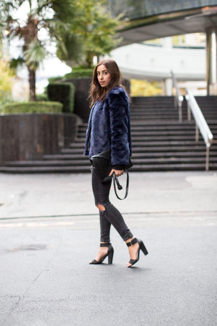 Blue fur, all black outfit fall outfit http://the-unprecedented.ca/havingthedatingtalk/