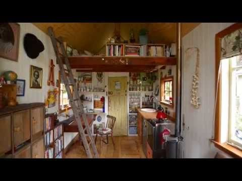Get charmed by this woman's self-built 150 sq. ft. home (Video) : TreeHugger