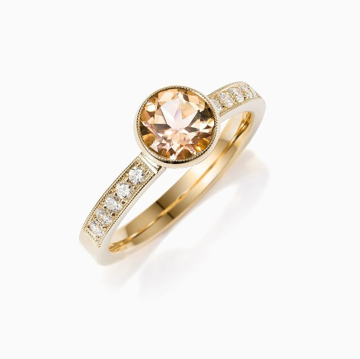 Lunette ring with Citrine in Yellow Gold
