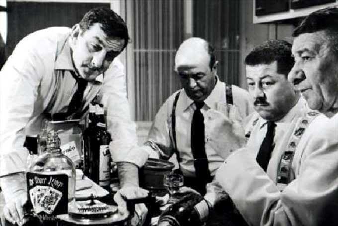 """Les tontons flingueurs, Lino Ventura, Bernard Blier, Francis Blanche.. - Lautner ...culte! """"Les cons, ça ose tout. C'est même à ça qu'on les reconnait!"""""""