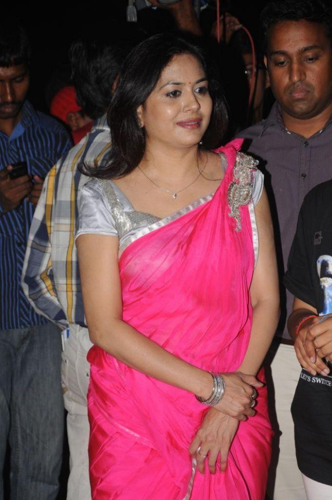 singer-sunitha-designer-saree-collection