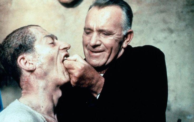 """Sci-Fi-Schreckensszenarien Zurück in die Zukunftsangst Schwarzsehen ist wieder in! Mit Kassenschlagern wie """"Die Tribute von Panem"""" feiern Dystopien im Science-Fiction-Film ihr Comeback. Dabei war die Zukunft auch früher schon hoffnungslos: einestages erinnert an die finstersten Filme von """"Soylent Green"""" bis """"1984""""."""