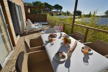 Glamping 'Royal Malibu' - camping Le Colombier - Cote d'Azur - Frankrijk - Fréjus #luxurious by @Vacansoleil