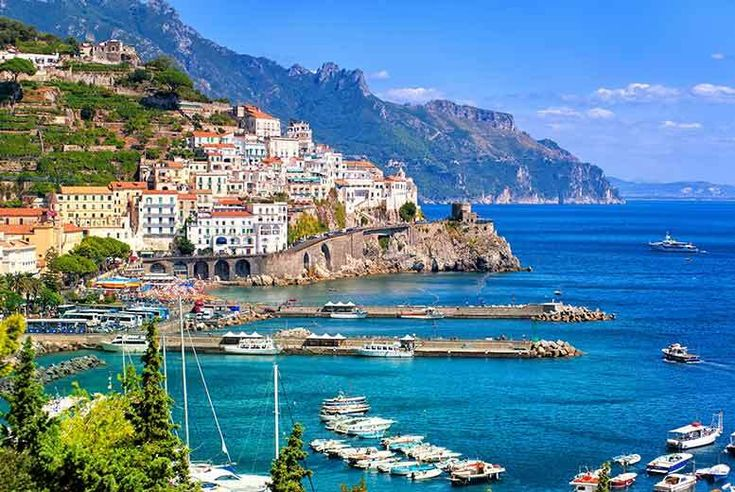 Discount UK Holidays 2018 4-7nt 4* Amalfi Coast Stay, Breakfast & Flights - Near Sorrento! From £199pp (from Bargain Late Holidays) for a four-night stay with breakfast, one three-course dinner and return flights, or from £349pp for a seven-night stay - save up to 48%