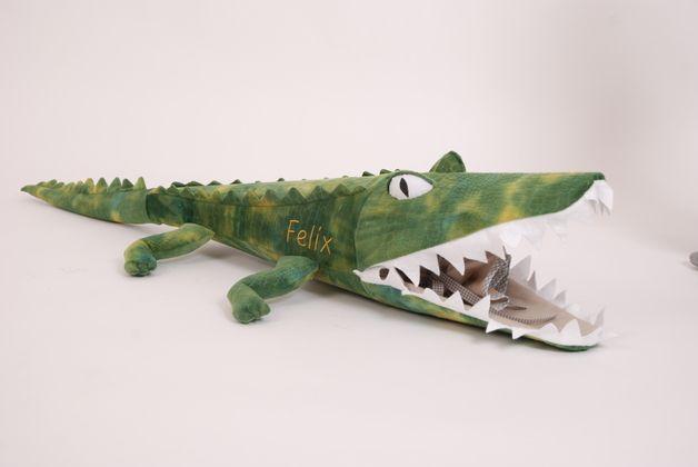 Der erste Schultag ist für jedes Kind was ganz besonderes. Dazu gehört natürlich auch die richtige Schultüte.  Das gefährliche Krokodil ist ein Hinkucker bei jeder Einschulung. Das Krokodil ist...