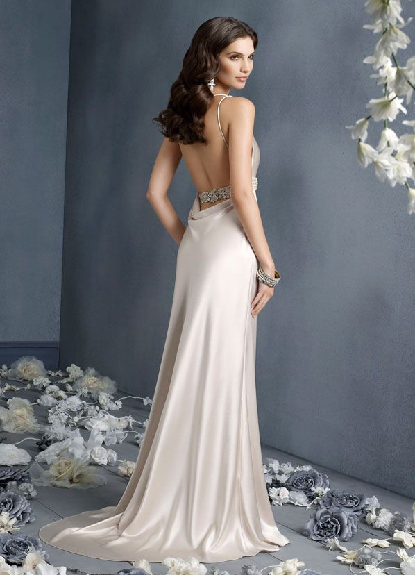 And this one was almost my reception gown!!!  WOWOWIE!!