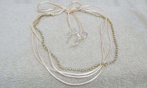 faixa headband nude e dourado