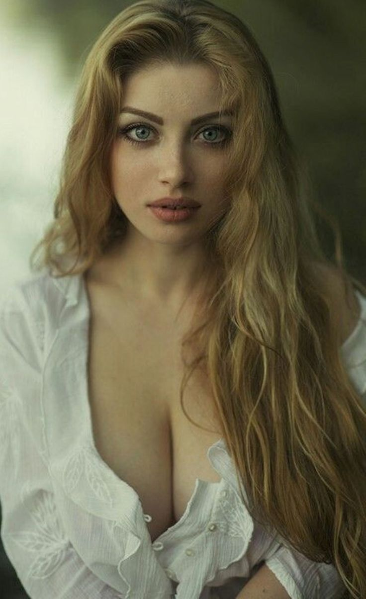 Anderson redhead girl breasts