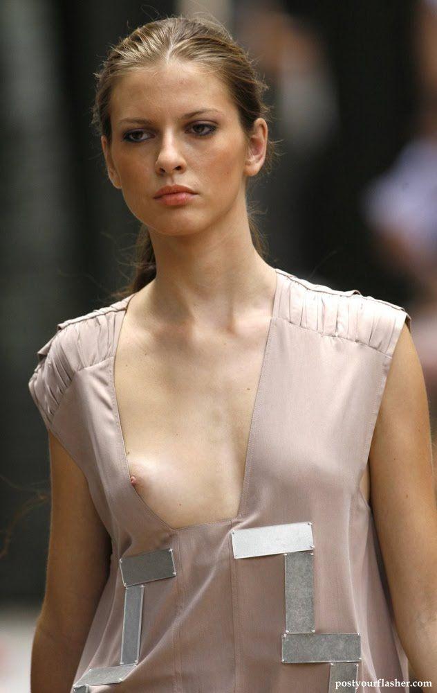 Nude fashion models runway oops