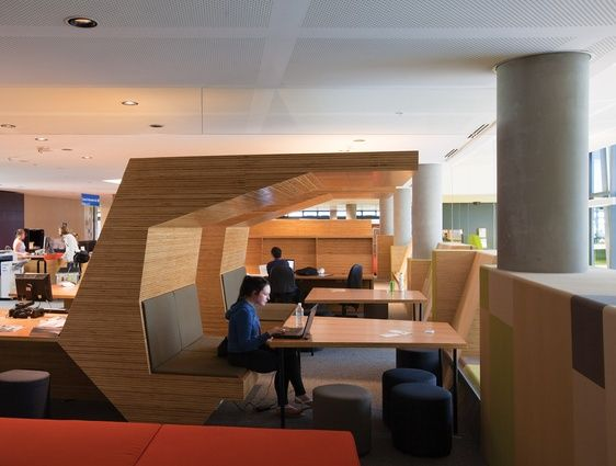 The Learning Commons Combines Flexible Individual And Collaborative Spaces Victoria University ESSP By John Wardle Architects