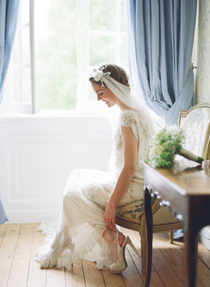 Sylvie Gil - Un mariage elegant en blanc en Normandie - Inspiration - La mariee aux pieds nus | la mariee aux pieds nus
