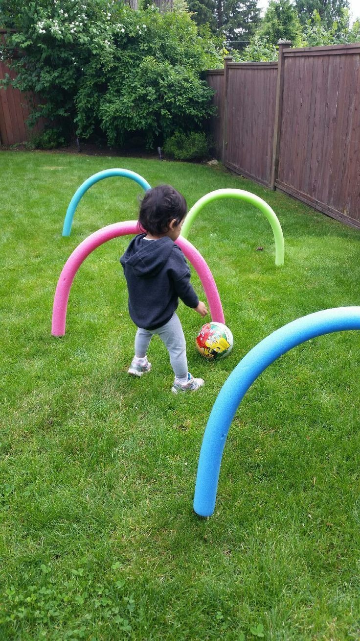 Have some fun outdoors this summer by making this super easy and cheap obstacle course using pool noodles from the dollar store and bbq skewers. Great for children who are learning to crawl or for older kids to practice ball skills.