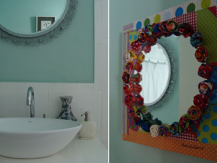 Espelho decorado com flores de tecido
