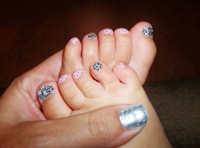 Look at these cute baby toes! Check out our Jamberry juniors for your little one www.brittanypbullard.jamberrynails.com