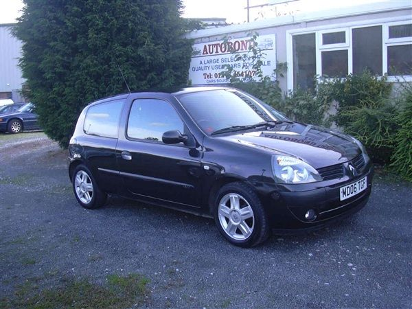 Used 2006 Renault Clio 1.2 16V (this is almost like my car!)