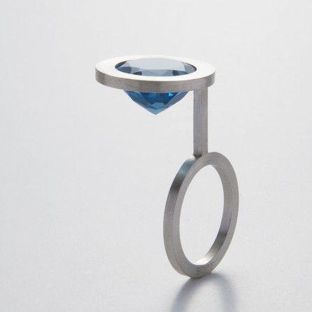 """K. bo SONNE - """"solitaire #1″ ring - topaz, silver"""
