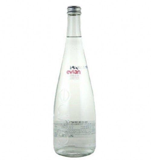 Bottiglia bevente di vetro all'ingrosso di Evian, bottiglia di acqua minerale, contenitore di vetro del liquore – Bottiglia bevente di vetro all'ingrosso di Evian, bottiglia di acqua minerale, contenitore di vetro del liquorefornito daXuzhou Tianyi Glassware Products Co., Ltd. perItalia