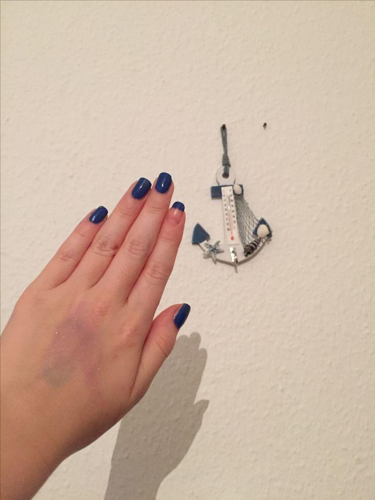 Blå negle. Blue Nails