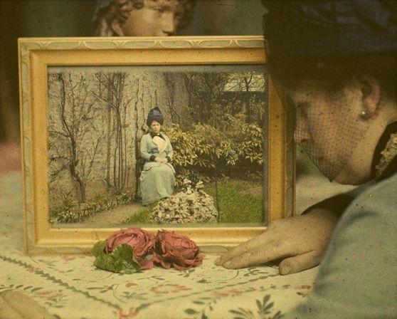 Paul Sano, Double Portret of Mrs. Corbet, c. 1912, autochrome 8,5x10