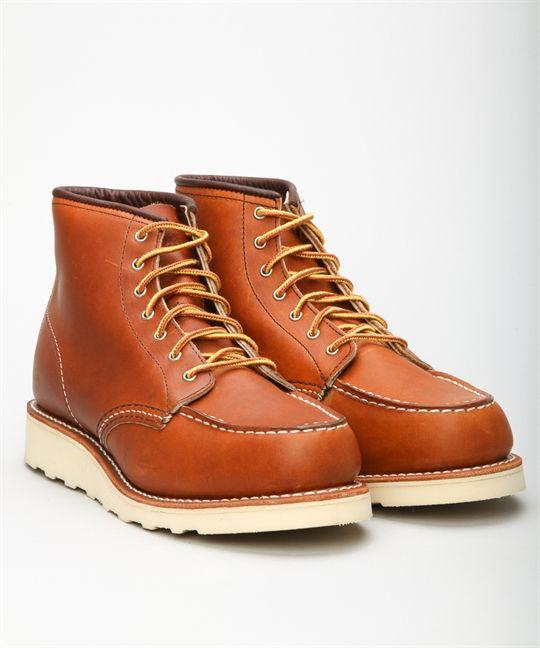 """Köp Red Wing damskor hos Lester Skor online. Vi erbjuder Red Wing Shoes 6"""" Classic Work Moc Toe 3375-Oro-legacy och utvalda märkesskor. Lester Skor erbjuder fri frakt och säker betalning."""