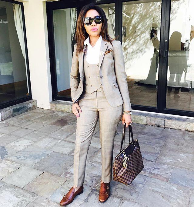 WEBSTA | Stylish work attire, Casual work attire, Woman suit fashion