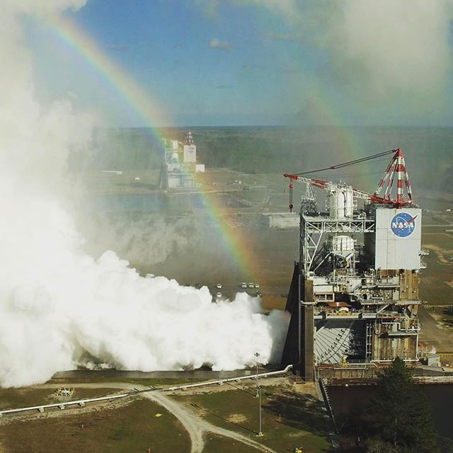 explorenasa Rainbows and rocket engines make for a great day!  NASA engineers conducted their first RS-25 test of 2017 on the A-1 Test Stand at Stennis Space Center near Bay St. Louis, Mississippi, on Feb. 22, continuing to collect data on the performance of the rocket engine that will help power the new Space Launch System (SLS) rocket.  #nasa #rockets #nasasls #engines  Image: NASA  2017/02/23 09:12:45
