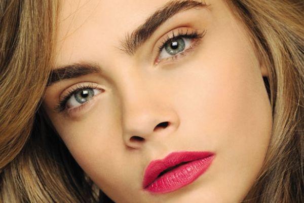 Vos sourcils ont plein de secrets à révéler sur votre personnalité... Découvrez lesquels !