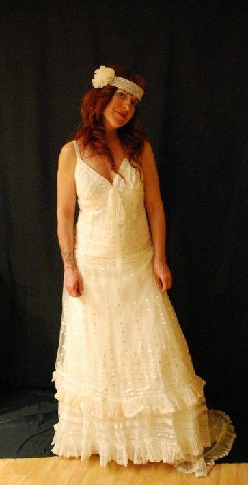 Precioso vestido de reestreno, modelo de YOLAN CRIS, colección Alquimia. Excelente estado.  Compra tu vestido de novia sin arruinarte!!