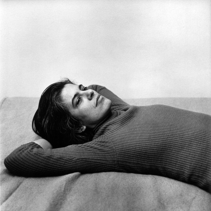 In the Image: Peter Hujar and Chantal Joffe's Mirrored Portraits of Susan Sontag - theJewishmuseum.org