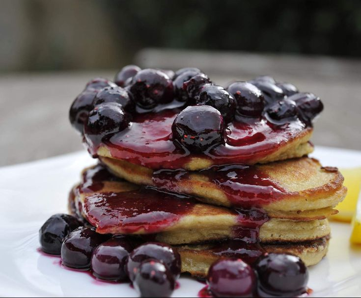 Recipe Paleo Banana & Coconut Pancakes with Blueberry Compote by foodieforever - Recipe of category Main dishes - others