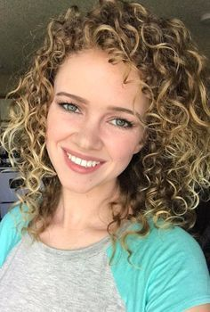 1 Woman Is Going Viral For Her Life-Saving Curly Hair Tips