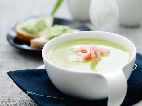 Grön ärtsoppa med räkor och avokadomackor Receptbild - Allt om Mat